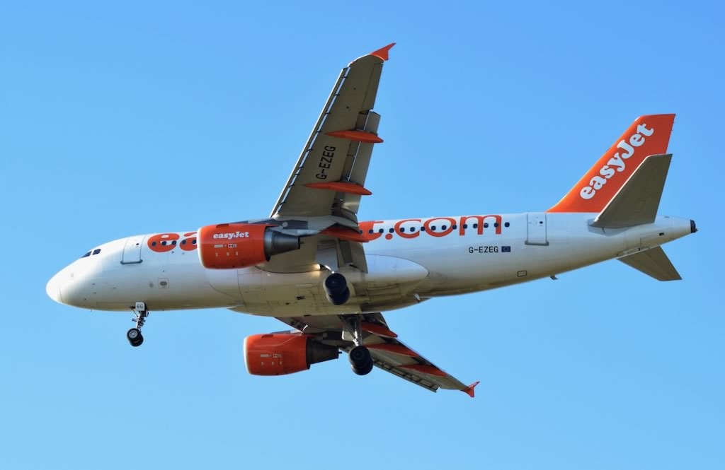 EasyJet Airbus A319-100, Registration No. G-EXEG
