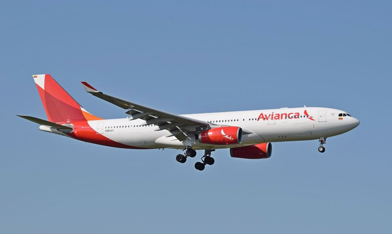 Avianca Airbus A330-200 on a landing approach