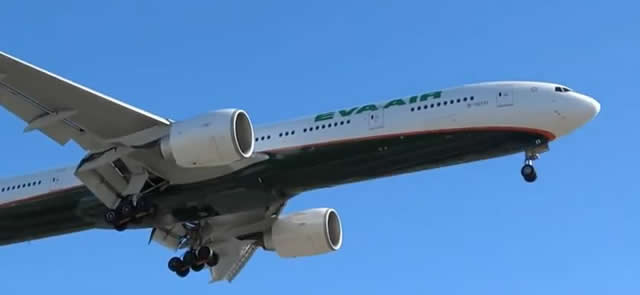 Boeing 777-300 of Eva Air on approach at Los Angeles International Airport (LAX)